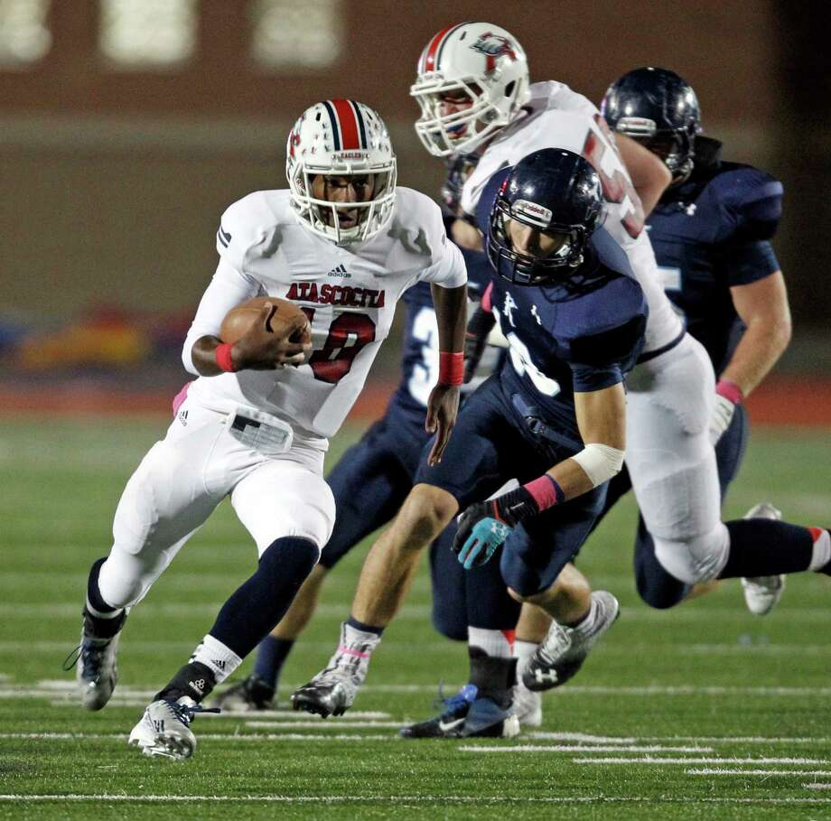 Atascocita's Greg Campbell (10) runs downfield during the first half of a high school football game against Kingwood, Friday, October 25, 2013 at Turner Stadium in Humble. Photo: Eric Christian Smith, For The Chronicle