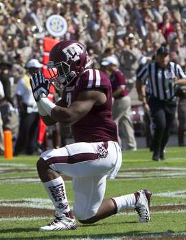 Texas A&M running back Trey Williams scores a touchdown against Vanderbilt. Photo: Cody Duty, Houston Chronicle