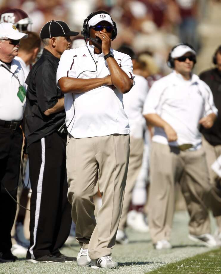 Texas A&M head coach Kevin Sumlin walks the sidelines during the first half of an NCAA college football game against Vanderbilt, Saturday, Oct. 26, 2013, in College Station, Texas. Photo: Eric Christian Smith, Associated Press