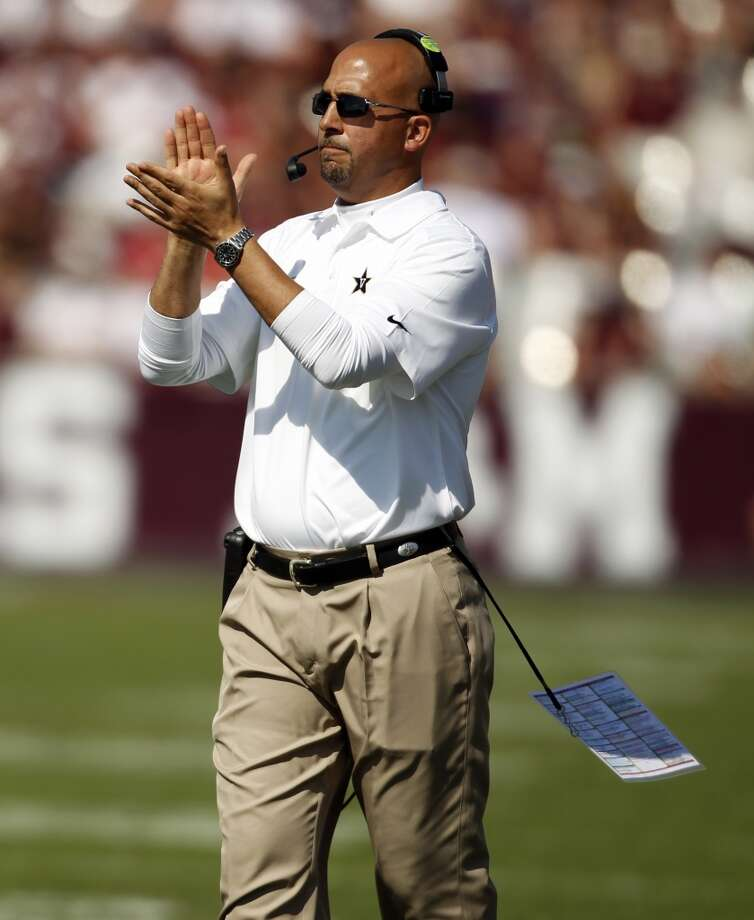 Vanderbilt head coach James Franklin walks the sidelines during the first half of an NCAA college football game against Texas A&M, Saturday, Oct. 26, 2013, in College Station, Texas. Photo: Eric Christian Smith, Associated Press