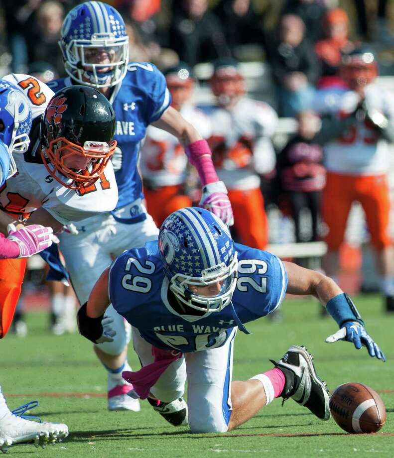 Ridgefield high school against Darien high school during a football game played at Darien high school, Darien, CT on Saturday, October, 26th, 2013 Photo: Mark Conrad / Stamford Advocate Freelance