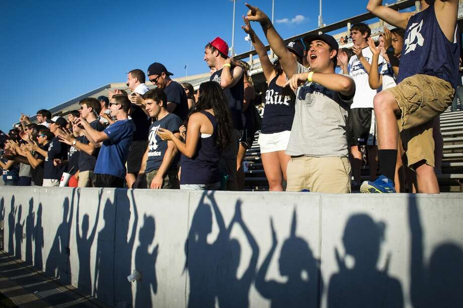 Rice fans cheer after a 45-7 victory over UTEP. Photo: Smiley N. Pool, Houston Chronicle