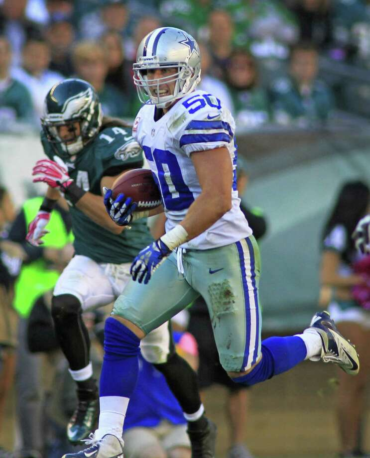 Middle linebacker Sean Lee leads the Cowboys with two interceptions and earned NFC Defensive Player of the Week honors after the win over the Eagles. Photo: Paul Moseley / Fort Worth Star-Telegram