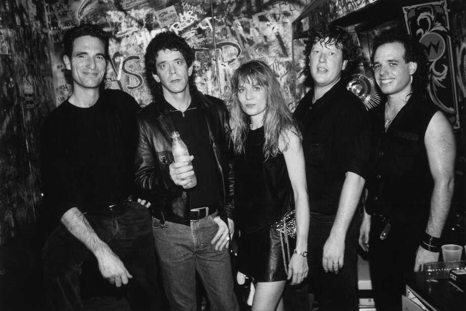 CBGB'S  Photo of Tom Tom Club and Lou Reed and Mark Roule and Tina Weymouth and Chris Frantz and Gary Pozner. Photo: Ebet Roberts, Redferns / Redferns