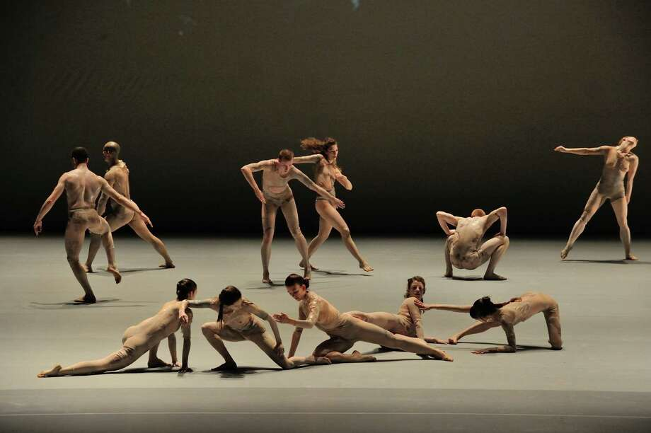 Shen Wei Dance Arts in Collective Measures; Courtesy of Shen Wei Dance Arts