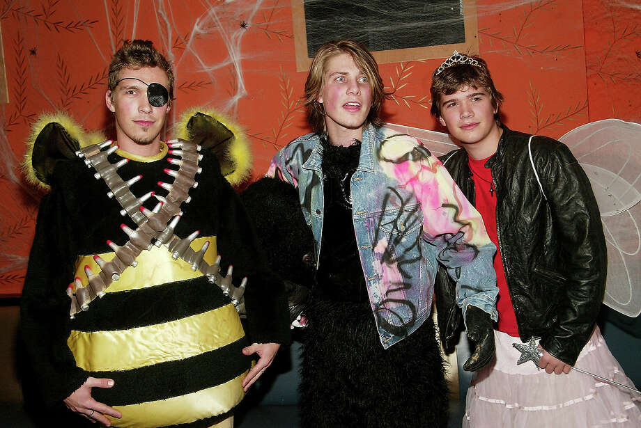 Hanson attend Heidi Klum's Haunted Halloween Bash at LQ sponsored by CMA North America on October 31, 2003 in New York City. Photo: Evan Agostini, Getty Images / 2003 Getty Images