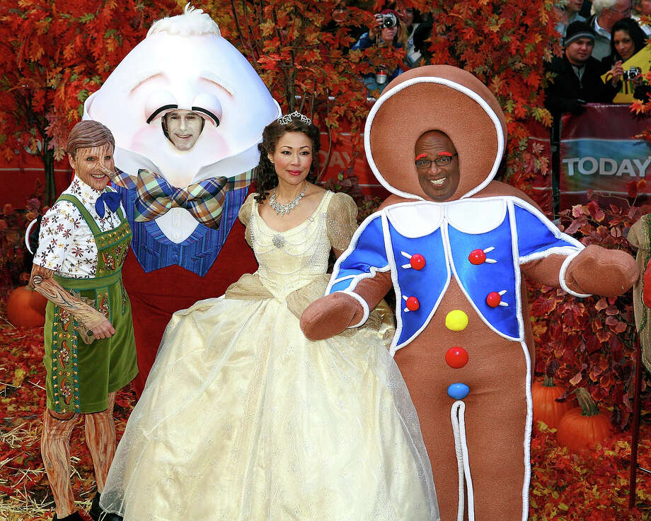 "Co-hosts Meredith Vieira, Matt Lauer, Anne Curry and Al Roker celebrate Halloween on NBC's ""Today"" at Rockefeller Plaza on October 31, 2008 in New York City. Photo: Charles Eshelman, FilmMagic / 2008 Charles Eshelman"