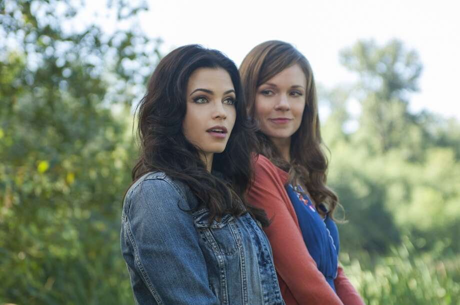 """Jenna Dewan-Tatum and Rachel Boston in """"Witches of East End."""" Photo: LIfetime"""