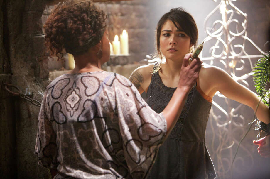 "Karen Livers as Agnes and Daniella Pineda as Sophie in ""The Originals."" Photo: Annette Brown, The CW / © 2013 The CW Network.  All Rights Reserved."