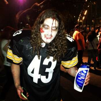 John Zamora dresses as an undead version of Troy Polamalu. Photo: Benjamin Olivo, MySA.com