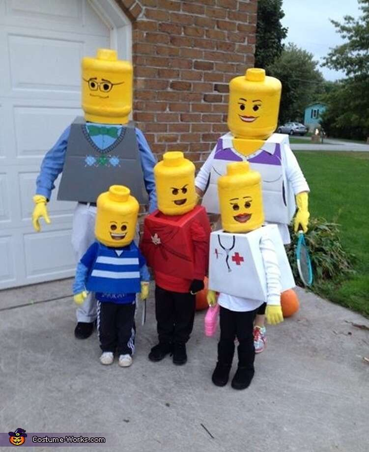 Lego family Photo:
