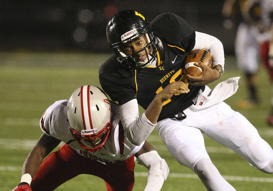 East Central quarterback Jeremy Jones, right, collides with a Judson defender early in the season. Jones, who had been out with an injury, returned last week. Photo: San Antonio Express-News File Photo