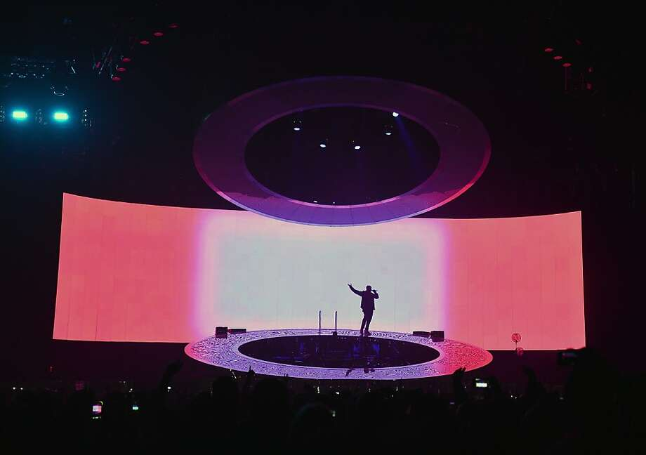 NEW YORK, NY - OCTOBER 28:  Singer/rapper Drake performs at Barclays Center on October 28, 2013 in New York City.  (Photo by Stephen Lovekin/Getty Images) Photo: Stephen Lovekin, Getty Images