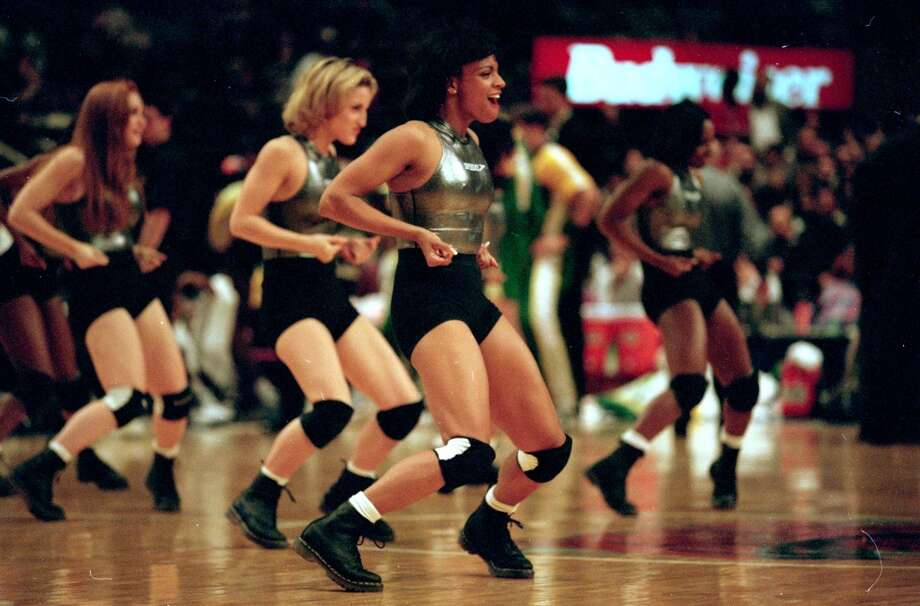 New York Knicks dancers, 1995 Photo: Rick Stewart, Getty Images