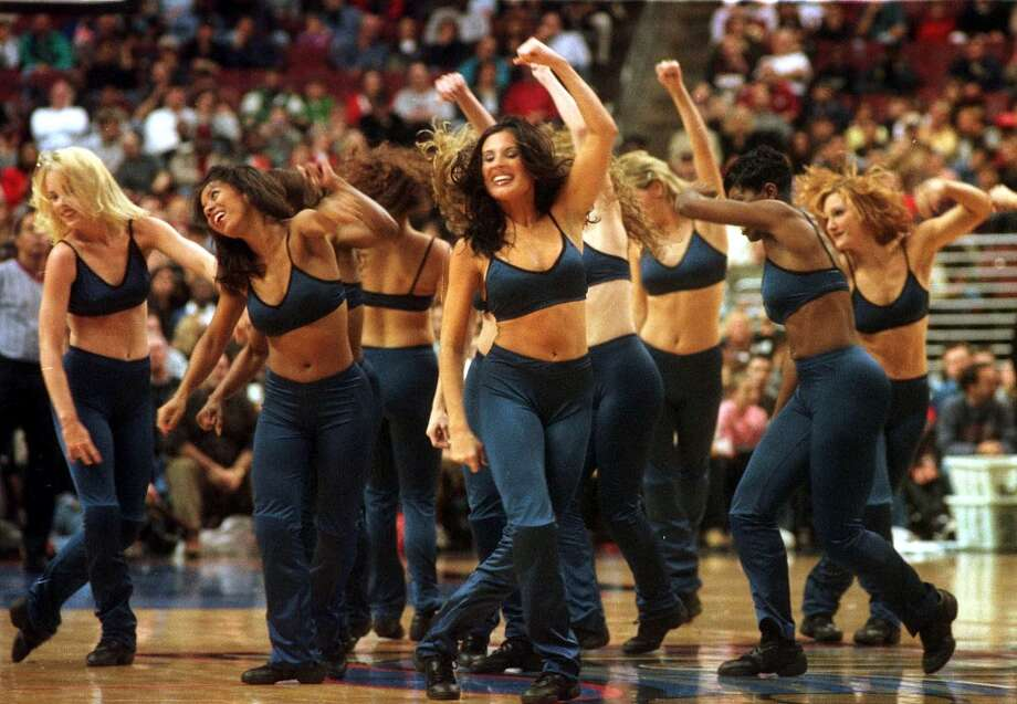 The Philadelphia 76ers Dance Team, 1999 Photo: William Thomas Cain, Getty Images