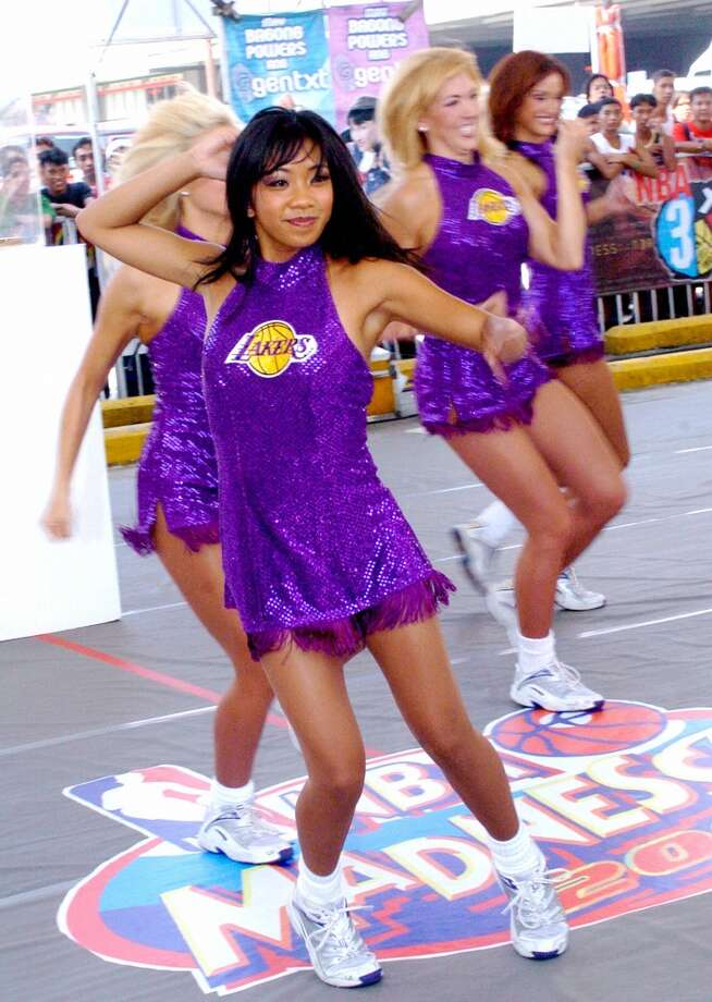 Laker Girls, 2004 Photo: JAY DIRECTO, AFP/Getty Images