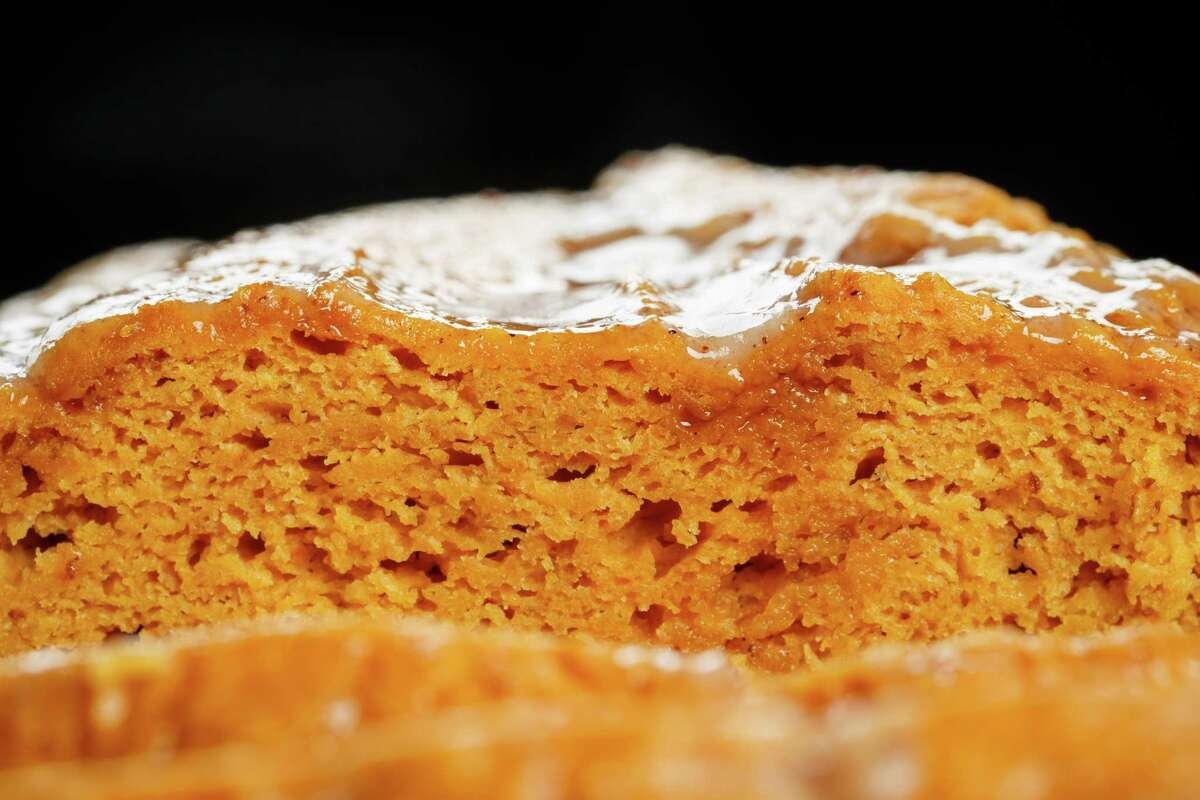 K2K. Kitchen to Kitchen. Two ingredient pumpkin cake, photographed in the Houston Chronicle Photo Studio, Thursday, Oct. 10, 2013, in Houston. ( Michael Paulsen / Houston Chronicle )