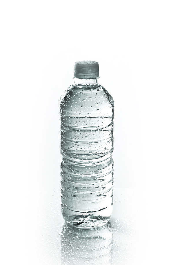 ALLOWED: 1 sealed, 20-ounce bottle of water Photo: Dave / handout / stock agency
