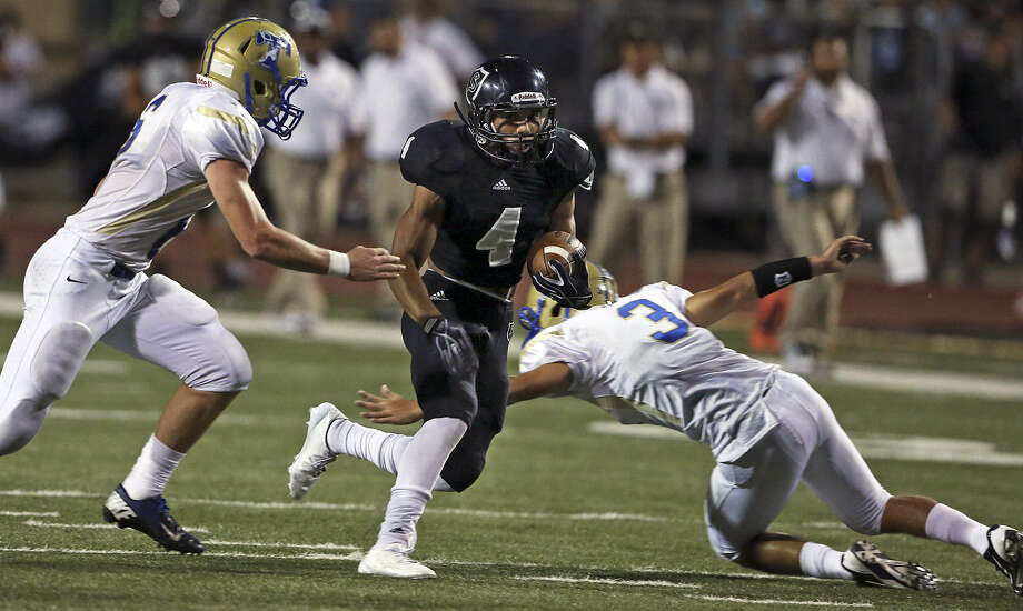 Steele tailback Justin Stockton will take the home field for the last time Friday when the Knights host Corpus Christi Carroll in a 7:30 p.m. kickoff at Lehnhoff Stadium. Photo: Tom Reel / Express-News File Photo