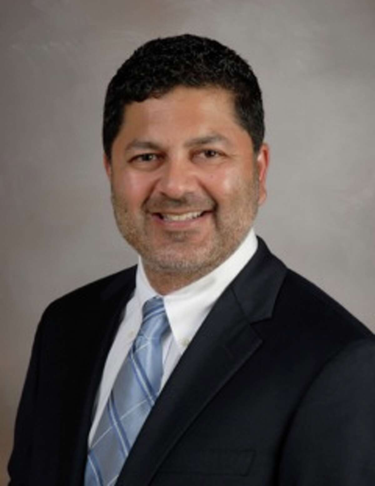 Orthopedic surgeon Vic Goradia has joined the Memorial Hermann Northeast support team for area middle and high school sports.