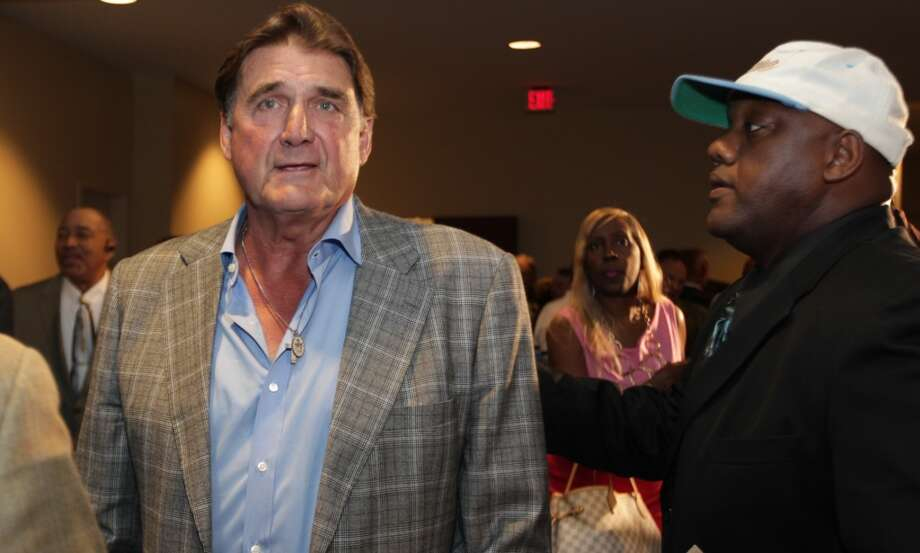 Former Oilers quarterback Dan Pastorini at the memorial service for Bum Phillips. Photo: James Nielsen, Houston Chronicle
