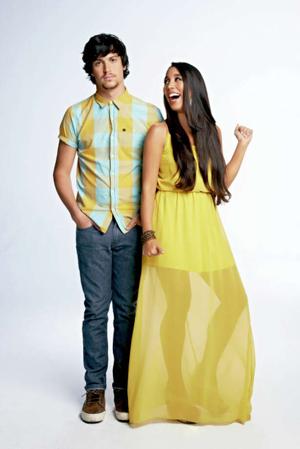 THE X FACTOR: TOP 16: Alex & Sierra: Sierra Deaton, 22. Hometown: Orlando, FL.  Alex Kinsey, 22. Hometown: New Smyrna Beach, FL CR: Jeff Lipsky / FOX. © Copyright 2013 FOX Broadcasting. / 1