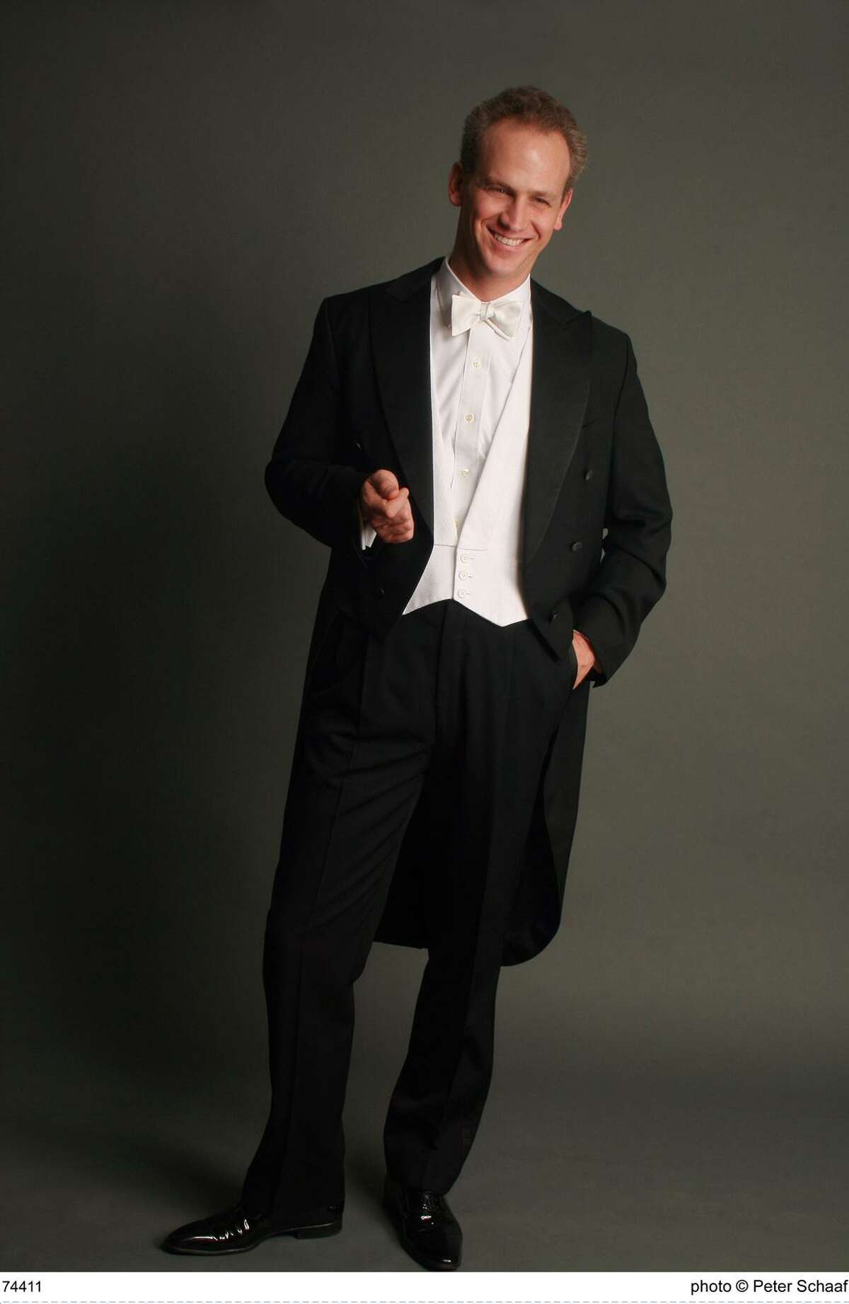 Carlos Miguel Prieto will conduct the Houston Symphony in Jones Hall.