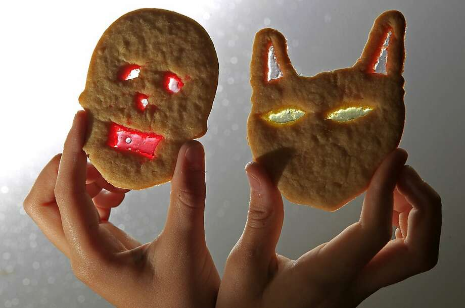 Does it come with an antidote? The cookie on the left is probably going to make the parents of trick-or-treaters in Fort Worth, Texas, a little uneasy. Photo: Paul Moseley, McClatchy-Tribune News Service