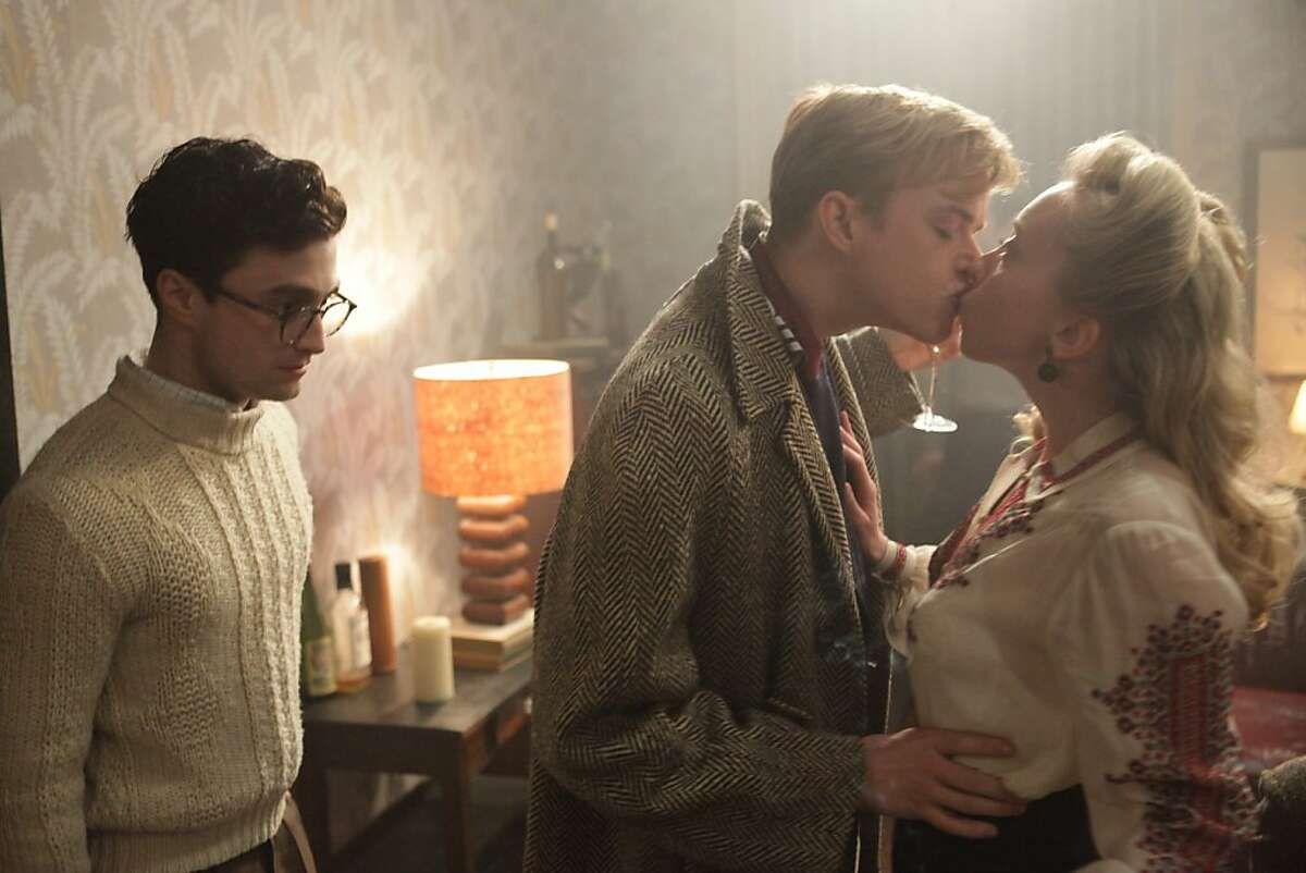 Left to right: Daniel Radcliffe as Allen Ginsberg and Dane DeHaan as Lucien Carr in KILL YOUR DARLINGS