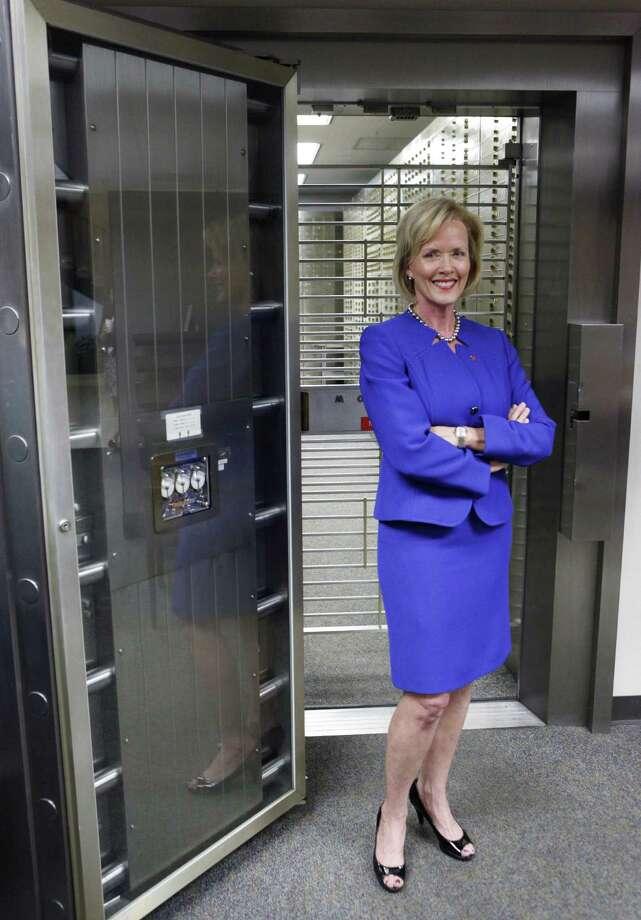 Pamela Parish became one of San Antonio's highest-ranking women bankers when she was named Broadway Bank's San Antonio regional president this year. Photo: Cynthia Esparza / For The San Antonio Express-News