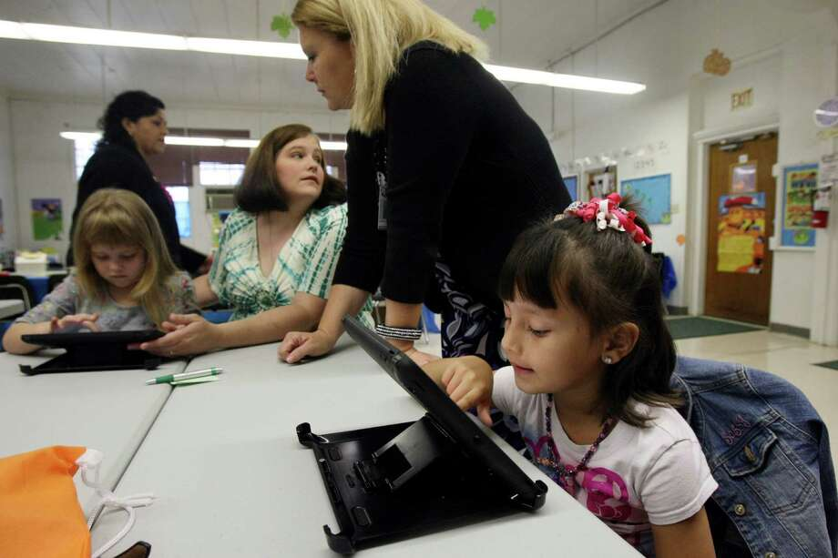 Southwest Independent School DistrictPositions open: 25 Types of positions needing to be filled: Teachers, administrators, paraprofessionals, maintananceOpen teacher positions: 2 Photo: Helen L. Montoya, SAN ANTONIO EXPRESS-NEWS / SAN ANTONIO EXPRESS-NEWS
