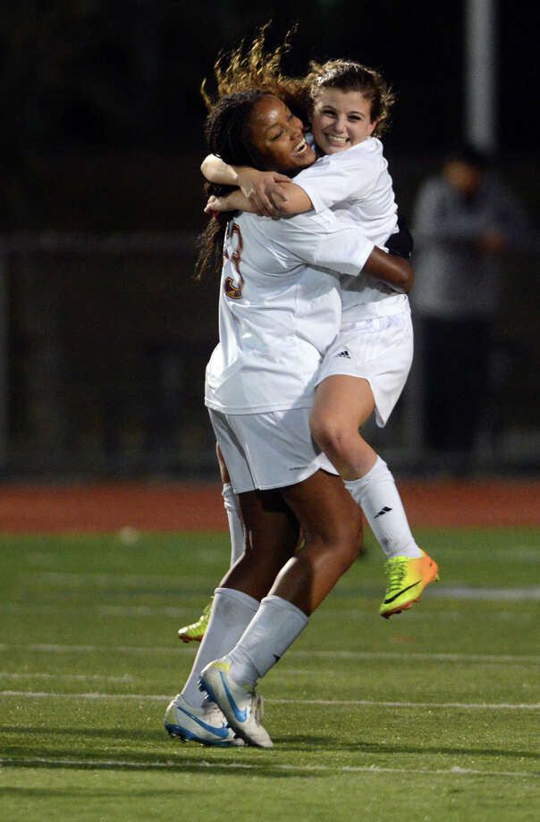St. Joseph and Wilton High School compete in the FCIAC soccer championship game at Norwalk High School Wednesday, Oct. 30, 2013. Photo: Autumn Driscoll / Connecticut Post