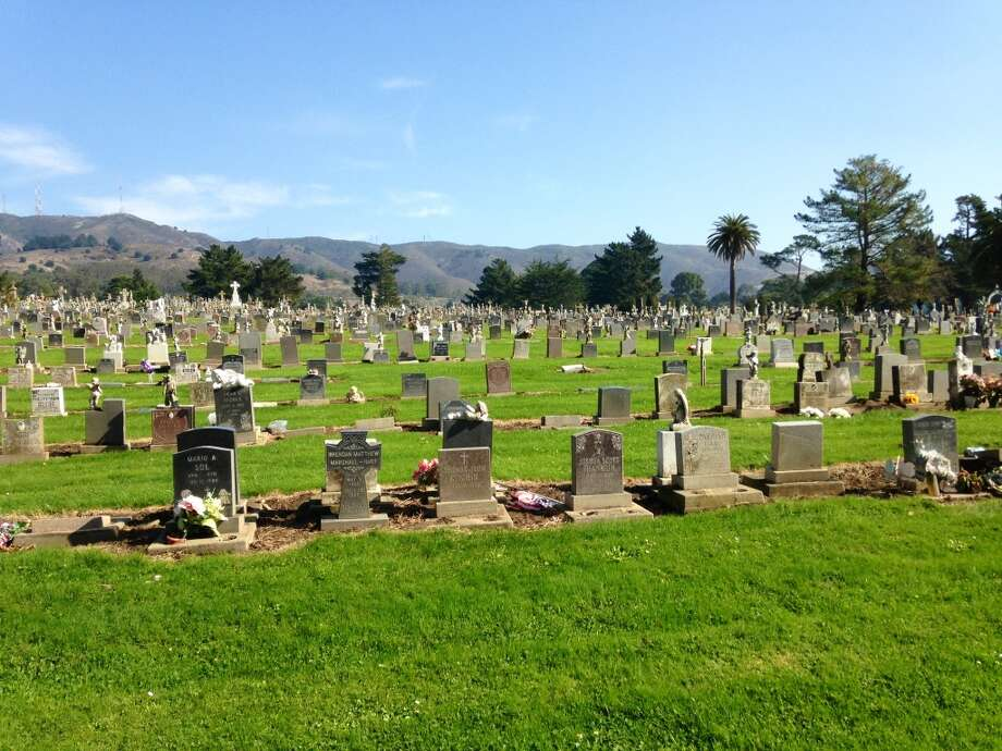 While depressing, Colma is also quite pretty (full of dead people!)