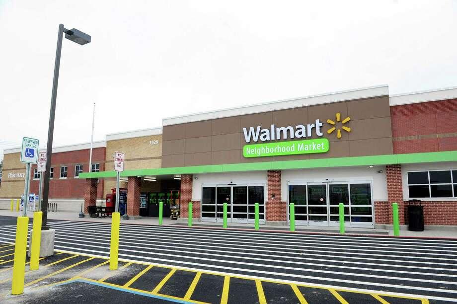 A view of the new Walmart Neighborhood Market on Thursday, Oct. 31, 2013 in Niskayuna, N.Y. Photo: Paul Buckowski / 00024406A