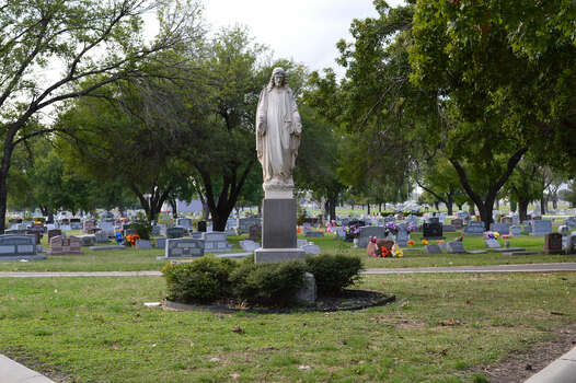 San Fernando Cemetery No. 3 (Roselawn Memorial) located at 1735 Cupples Rd Photo: Cinde Ramirez/ MySanAntonio.com