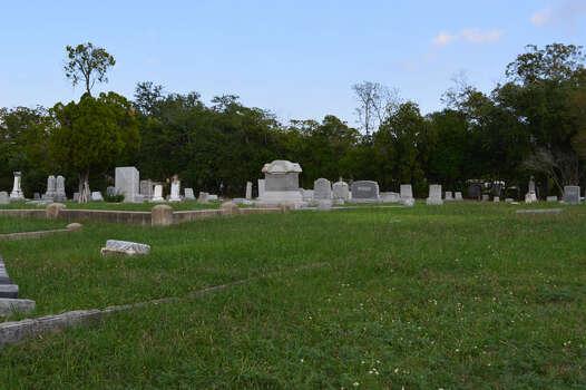 Dignowity City Cemetery Photo: Cinde Ramirez/ MySanAntonio.com
