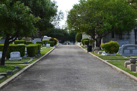Temple Beth-El Hebrew Cemetery  Photo: Cinde Ramirez/ MySanAntonio.com