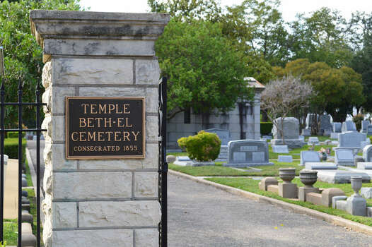 Temple Beth-El Cemetery - Prominent burials include Alexander Joske of Joske's Department Store and Harry Landa who donated his Monte Vista home to the San Antonio Public Library. Source: saculturaltours Photo: Cinde Ramirez/ MySanAntonio.com