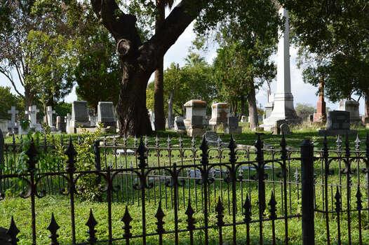 San Antonio Cemetery 1 Photo: Cinde Ramirez/ MySanAntonio.com