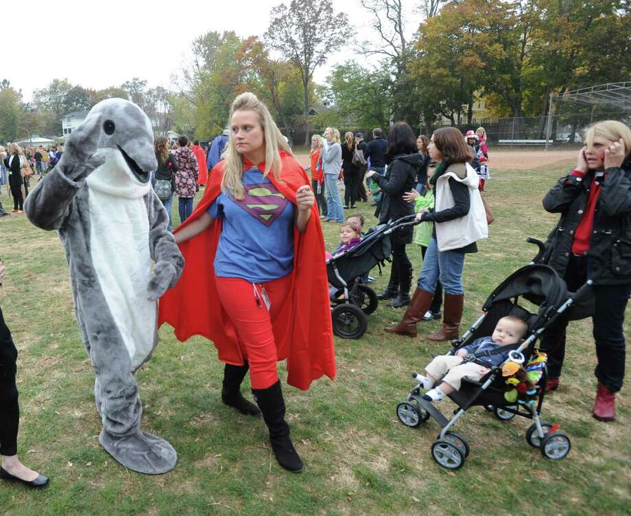 The Old Greenwich School annual Halloween parade, Old Greenwich, Thursday, Oct. 31, 2013. Photo: Bob Luckey / Greenwich Time