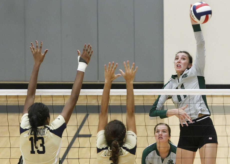 Ashlie Reasor and Reagan could wind up facing district rival Churchill again in the Region IV-5A final. Photo: Marvin Pfeiffer / Express-News