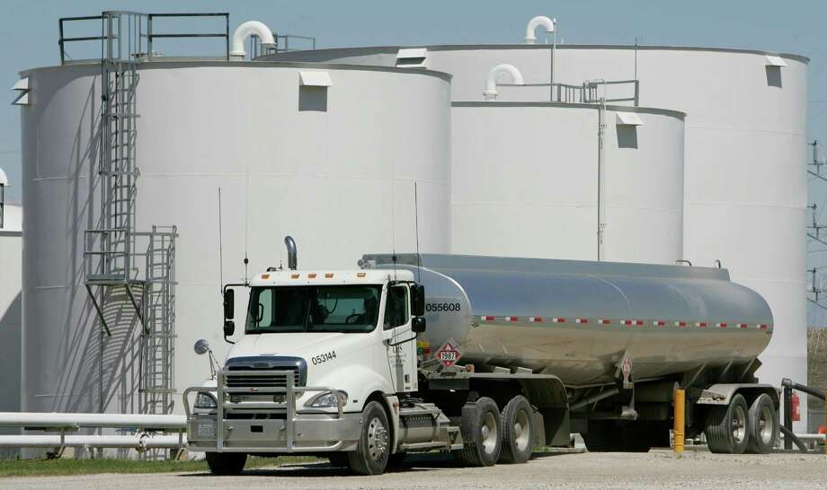 A tanker leaves a Coon Rapids, Iowa, plant with a load of ethanol. The renewable fuel mandate is under siege. Photo: CHARLIE NEIBERGALL, STF / AP