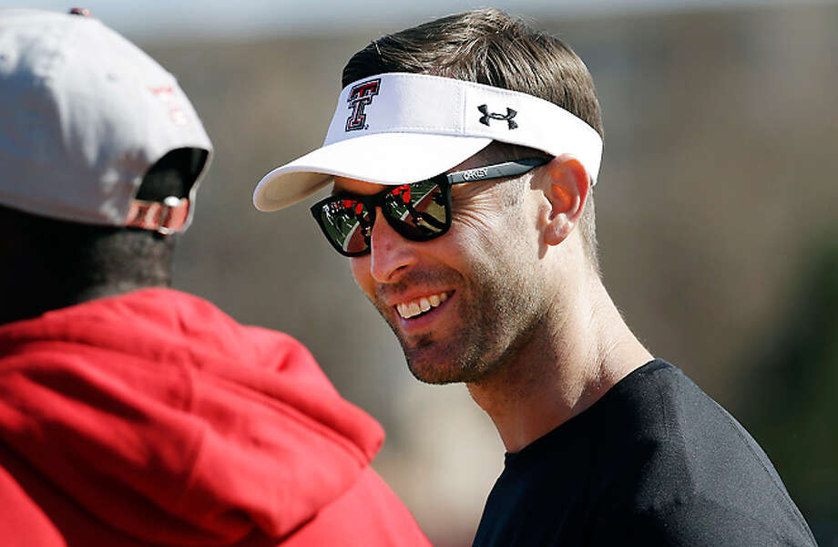 Cool guy Kliff Kingsbury hoping for a white-hit night for his Red Raiders against Oklahoma St. Photo: LM Otero