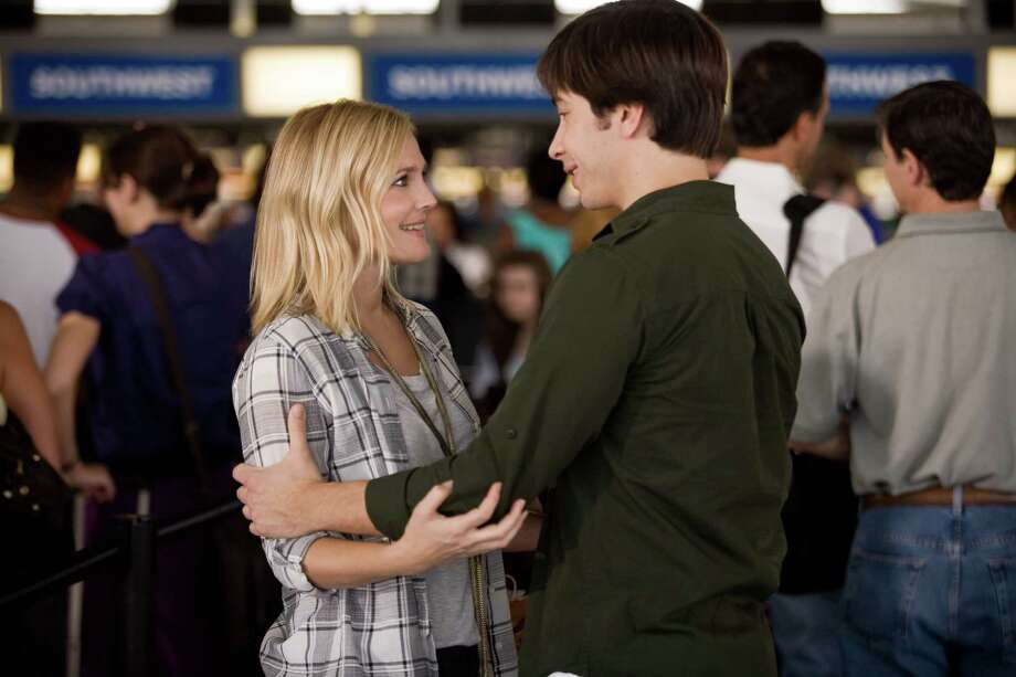 GOING THE DISTANCE, with Drew Barrymore and Justin Long.  Love during the recession. Photo: Jessica Miglio, Warner Bros. / ©MMIX New Line Productions, Inc.  All rights reserved
