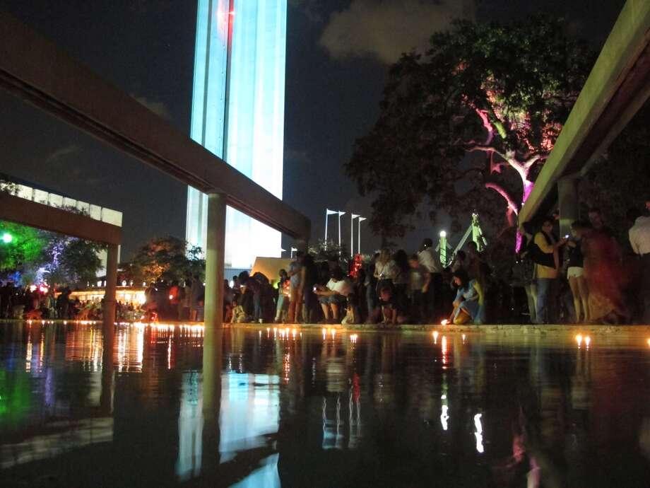 Thousands turn out for Diwali San Antonio Festival of Lights in 2012. Photo: Benjamin Olivo, MySA.com