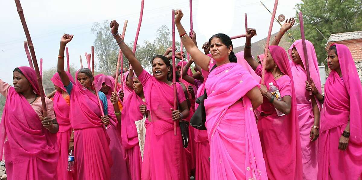 Gulabi Gang Pictured: Sampat Pal with the women of the Gulabi Gang Still courtesy of: Norwegian Film Institute