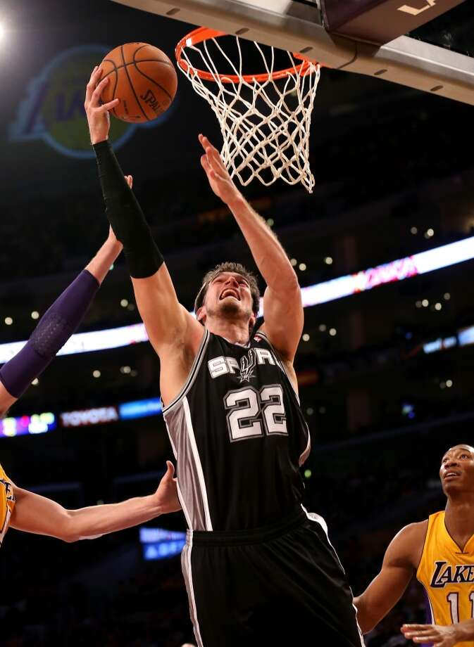 Tiago Splitter #22 of the San Antonio Spurs shoots against the Los Angeles Lakers at Staples Center on November 1, 2013 in Los Angeles, California. Photo: Stephen Dunn, Getty Images