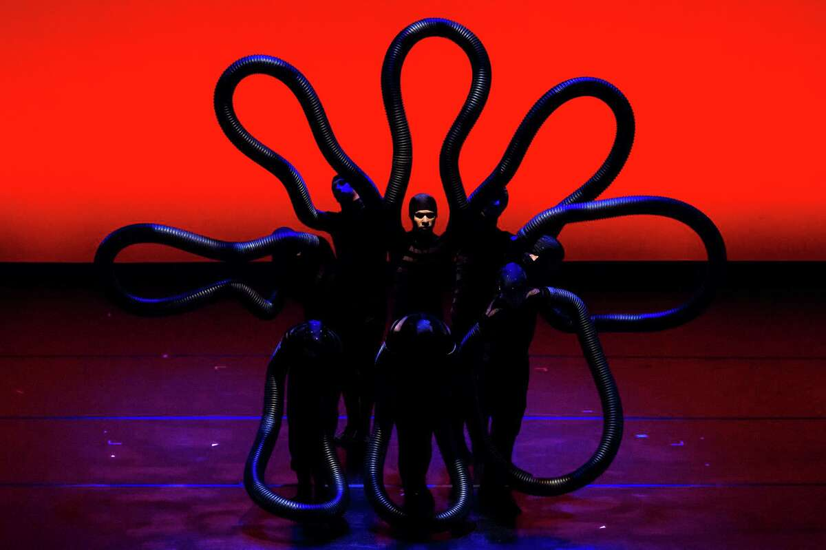 Dance-illusionists MOMIX perform a variety of pieces from