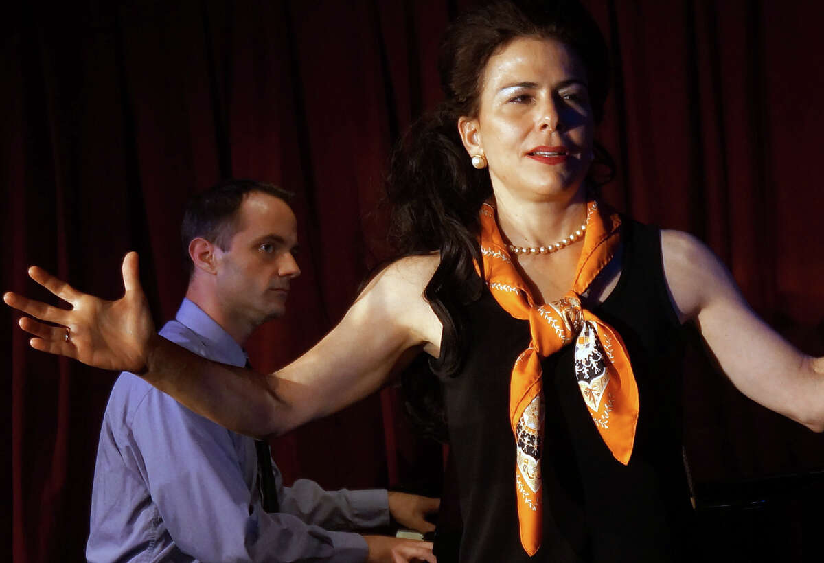 Irene Glezos as Maria Callas, with pianist portrayed by Kevin B. Winebold, in