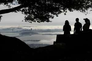 Couple robbed, kidnapped at Berkeley scenic point - Photo